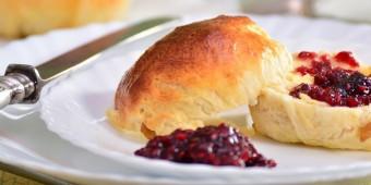 jam and scone